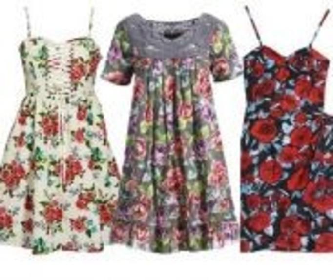 Z czym nosić kwieciste sukienki?