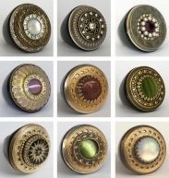 Retro pierścionki na wiosnę – hit czy kit?
