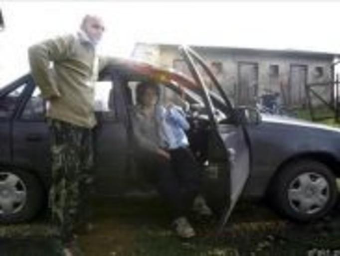 Mąż odebrał poród w samochodzie