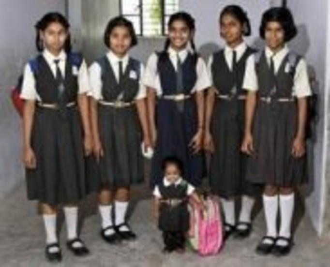 Najmniejsza dziewczynka świata (15 lat, 5 kg!)