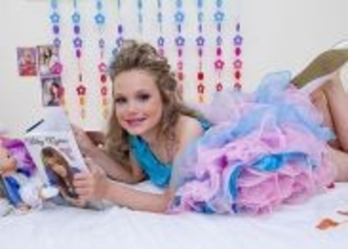 Zrobiła z córki lalkę Barbie!