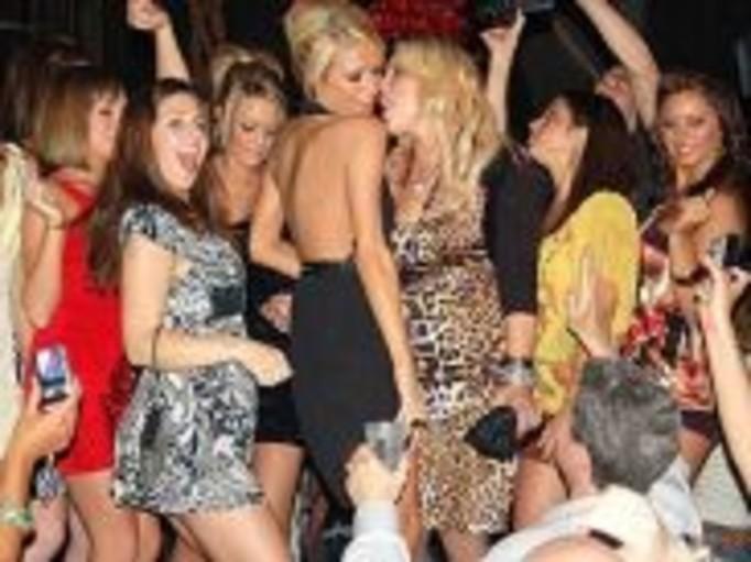 Jak imprezują bogate nastolatki?