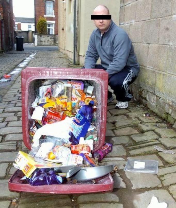 Przetrzymywała męża pod stertą śmieci!