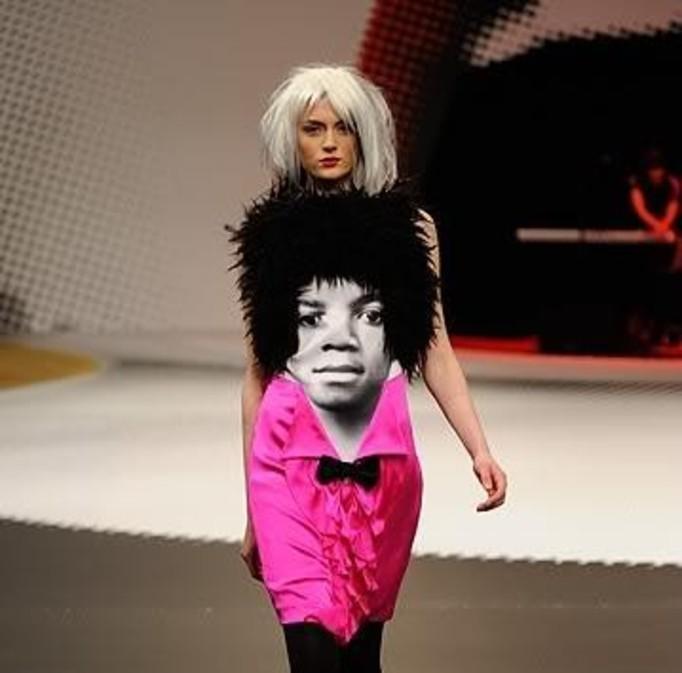 Sukienka z podobizną Michaela Jacksona!