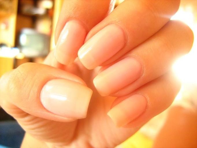 Piękne długie paznokcie