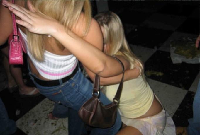 Pijane siostry się pogryzły!
