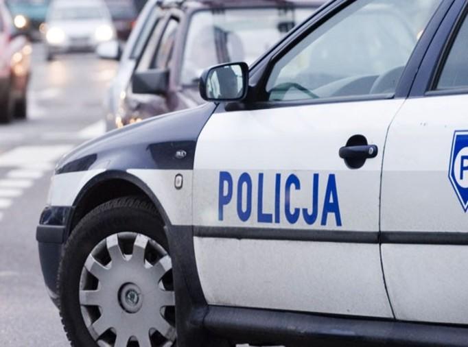 11-latka wiozła autem rodzeństwo i pijaną matkę!