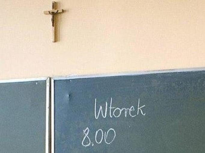 Zakaz wieszania krzyży w szkołach!