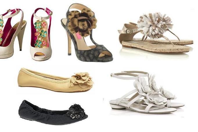 Czy założyłabyś  kwitnące sandały?