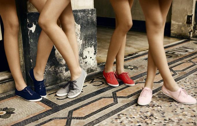Pastelowe tenisówki – modne i wygodne!