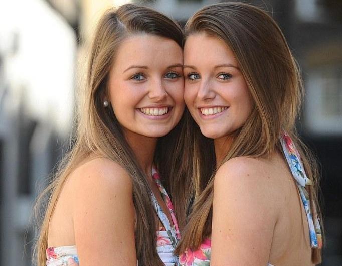 Najbardziej podobne bliźniaczki w Wielkiej Brytanii – GALERIA!