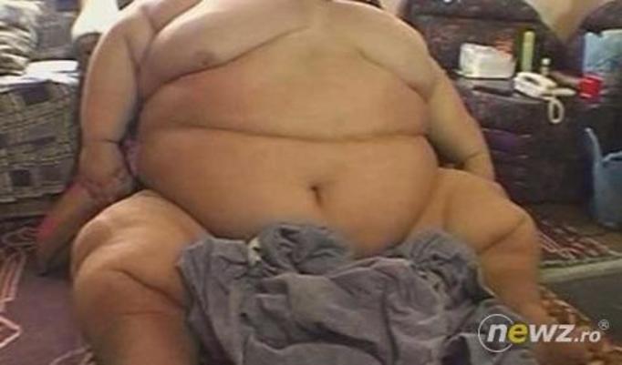 Robią mu odsysanie tłuszczu, bo nie mieści się do trumny!