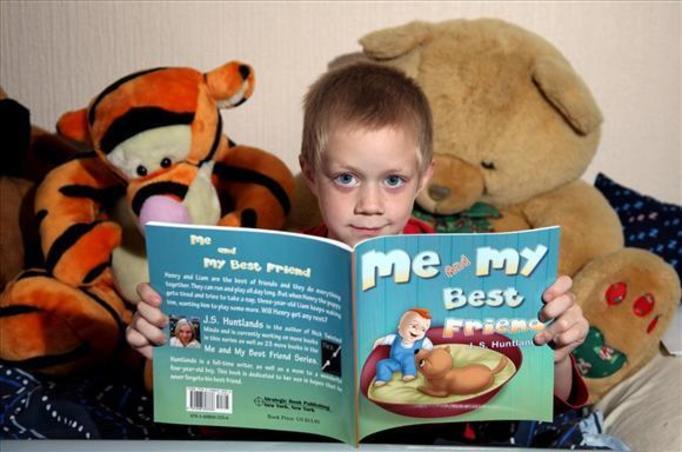 6-latek wydał książkę i zarabia tysiące funtów!
