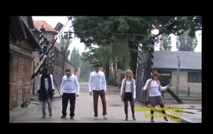 VIDEO NA DZIŚ: Kontrowersyjny taniec w Auschwitz