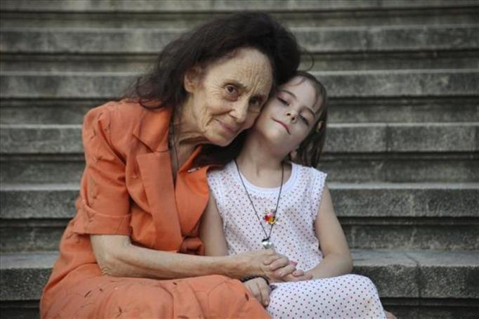 Najstarsza matka świata: Ma 72 lata i 5-letnią córkę!