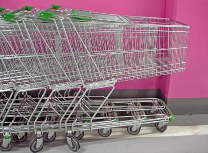 Polacy okradają sklepy: Sprawdź, co najczęściej wynoszą!