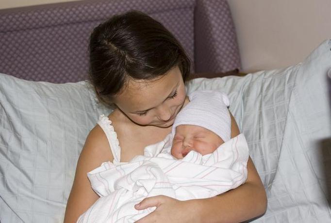 10-letnia dziewczynka urodziła dziecko!