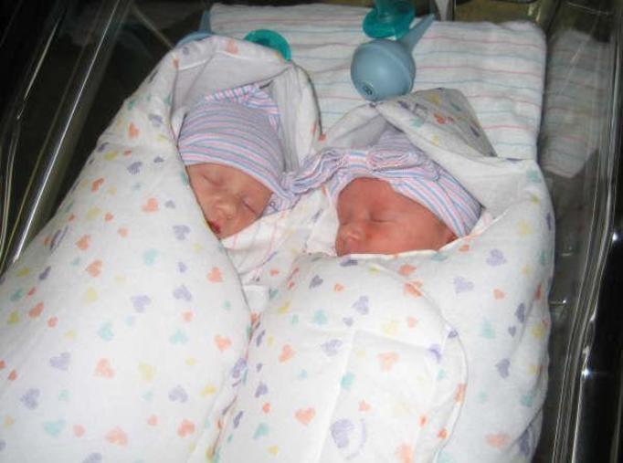 Urodziła bliźniaki, które mają dwóch ojców! Bo zdradzała męża!