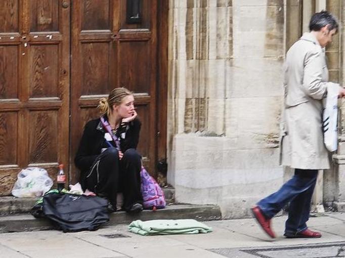 Bezdomne kobiety sprzedają swoje ciała za nocleg!