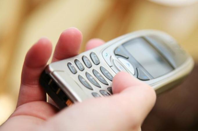 TELEFONY KOMÓRKOWE: Czy w polskich szkołach będą zabronione?