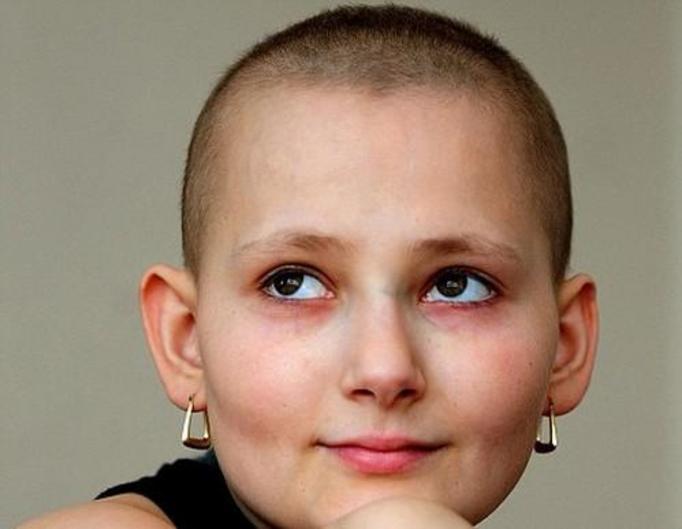 17-letnia Donna Shaw: Nastolatka planuje swój pogrzeb, bo wie że złośliwy rak kości jest bezlitosny!