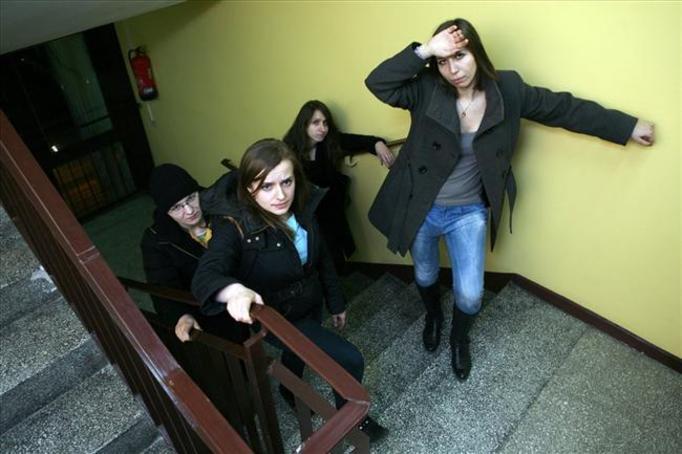 Skandaliczne warunki we wrocławskim akademiku: Studenci muszą wchodzić pieszo na 23 piętro!