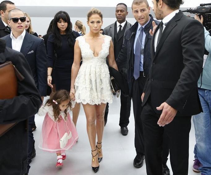 Jennifer Lopez Emme Chanel ss 2013