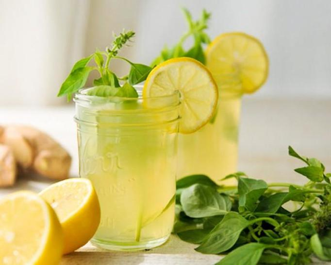 Imbirowa lemoniada z miodem