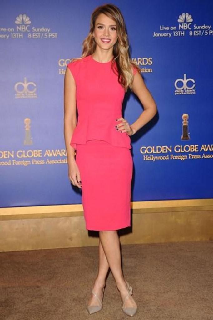 Jessica Alba w różowej sukience Dior