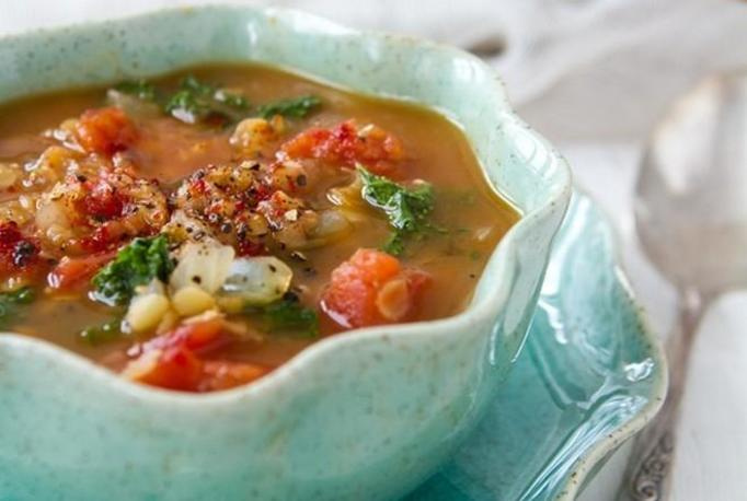 zupa z pomidorami i soczewicą