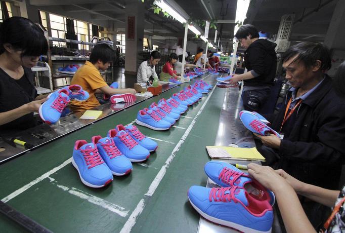 Chińska fabryka butów