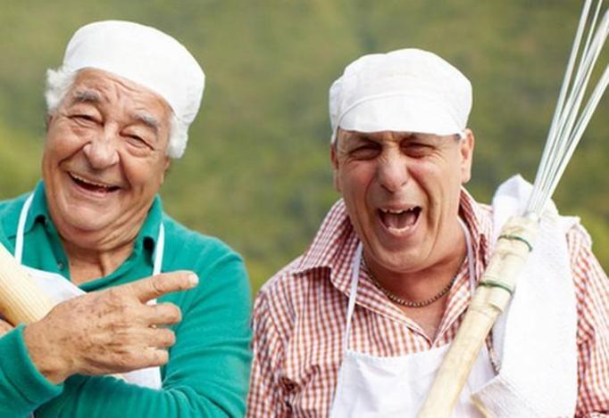 starsi mężczyźni