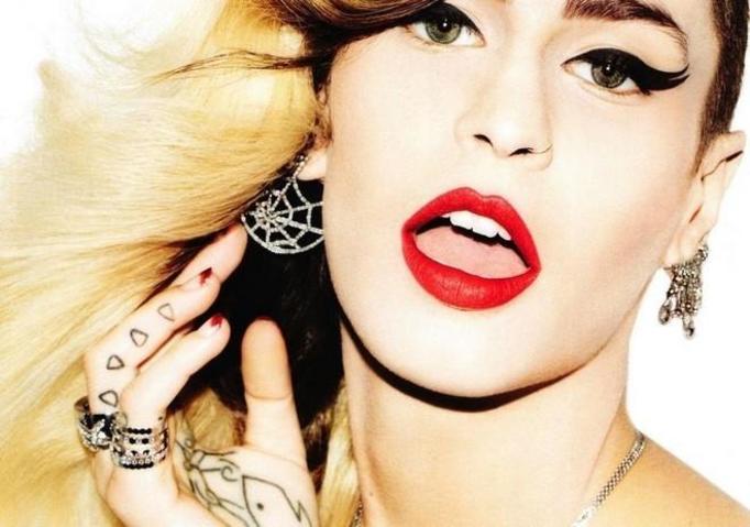 tatuaż u kobiety