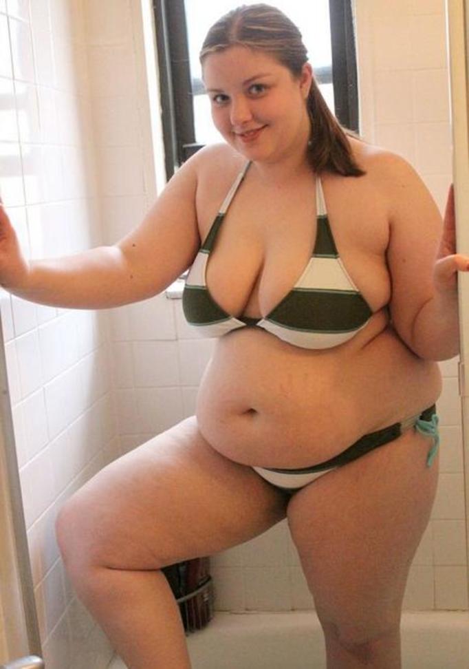 Photo naked brunette in stockings