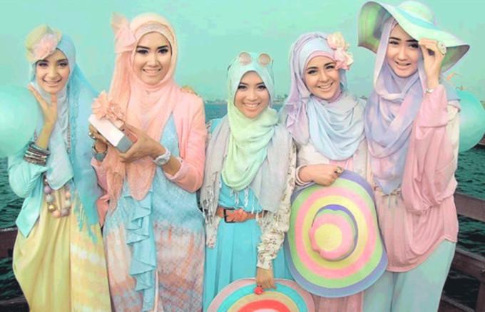 hijabi lolita