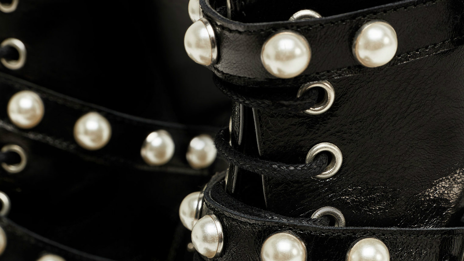 skórzane botki ze sztucznymi perłami Zara