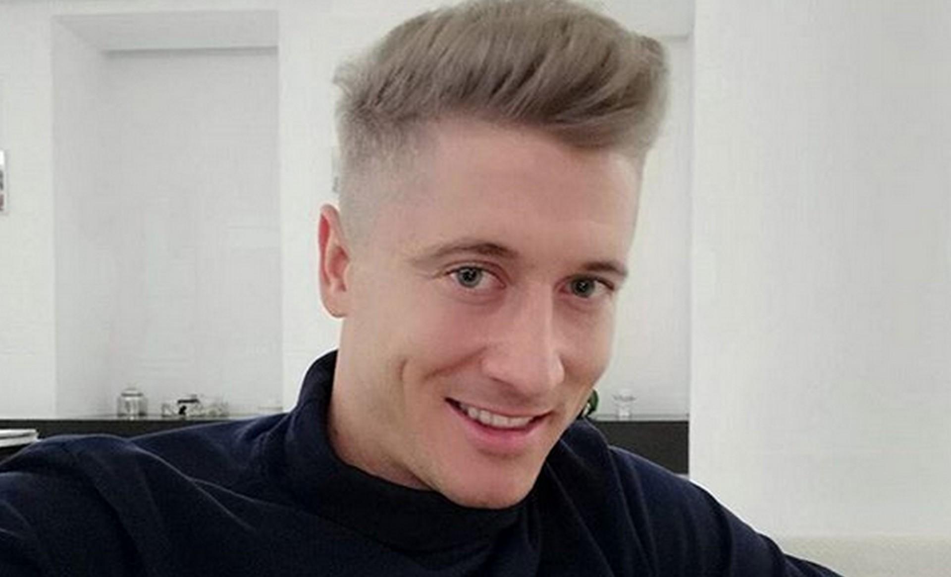 Robert Lewandowski w blond włosach